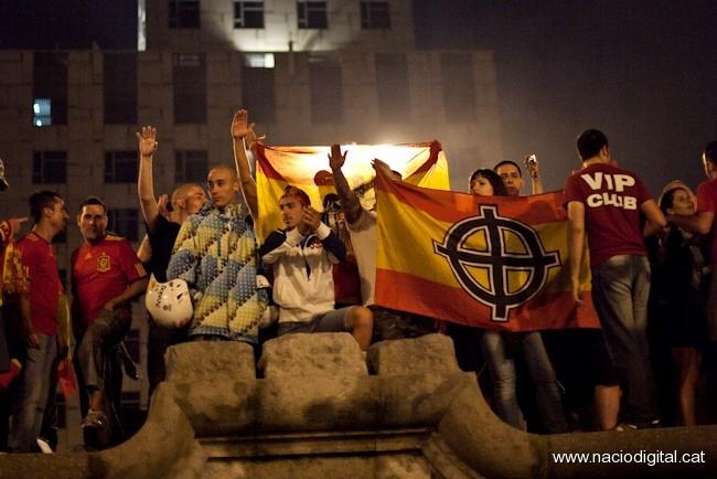 Los fascistas aprovecharon de la celebración de la Eurocopa en Plaça Espanya, Barcelona