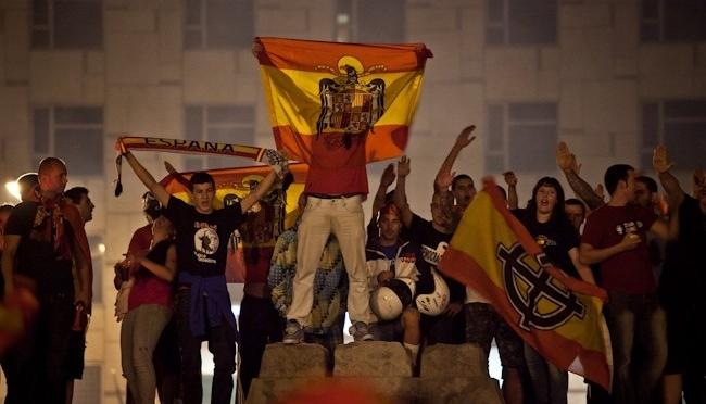 Els feixistes van aprofitar de la celebració de l'Eurocopa a Plaça Espanya, Barcelona
