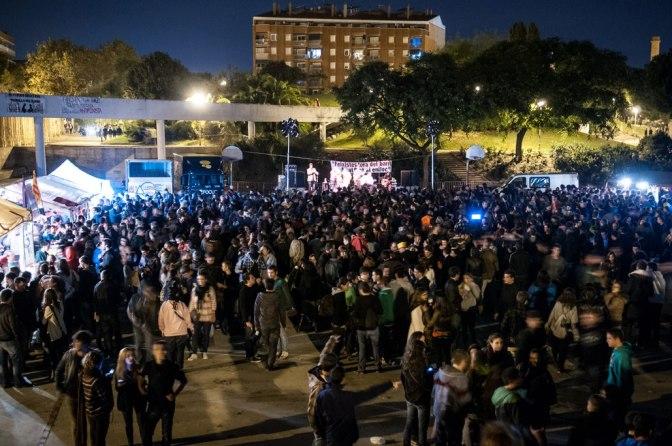 El concert contra el feixisme al Clot; molt positiu políticament, però va aportar pocs diners